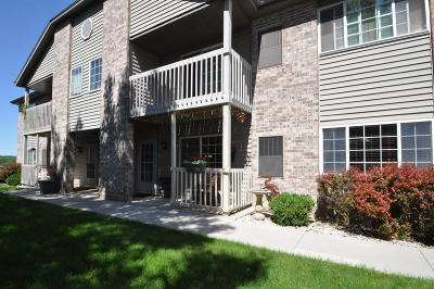 Muskego Condo/Townhouse Active Contingent With Offer: W170s7579 Gregory Dr. #H