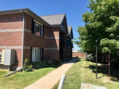 Muskego Condo/Townhouse Active Contingent With Offer: S75w16788 Jacob Ct #15