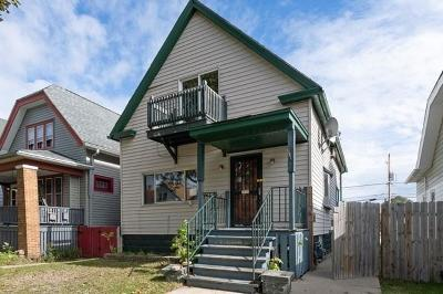 Milwaukee Single Family Home For Sale: 2460 S 14th St