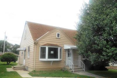 South Milwaukee Single Family Home For Sale: 1307 Marion Ave