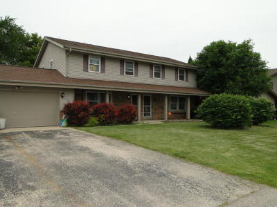 Racine County Two Family Home Active Contingent With Offer: 304 N 6th St