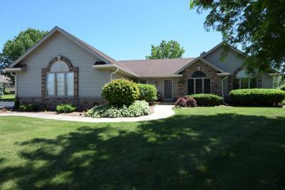 Washington County Single Family Home For Sale: W174n10306 Autumn Ct