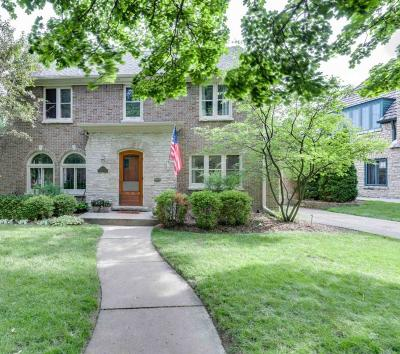 Wauwatosa WI Single Family Home Active Contingent With Offer: $375,000