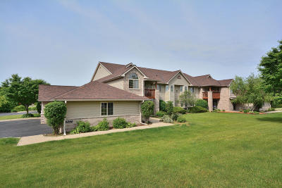 Waukesha WI Condo/Townhouse For Sale: $186,900