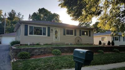 Waukesha WI Single Family Home For Sale: $235,900