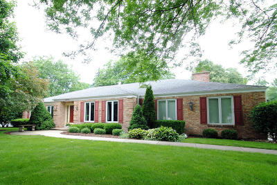 Brookfield Single Family Home For Sale: 21370 Cambridge Cir Lower