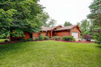 Waukesha County Single Family Home For Sale: N96w32849 County Line Rd