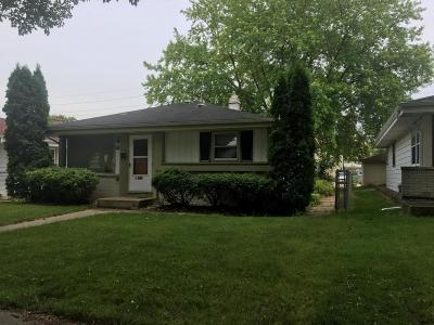 Milwaukee County Single Family Home For Sale: 5736 N 77th St