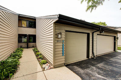 Milwaukee County Condo/Townhouse Active Contingent With Offer: 8931 N 70th St