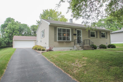Waukesha County Single Family Home Active Contingent With Offer: 2108 N Bel-Ayr Dr