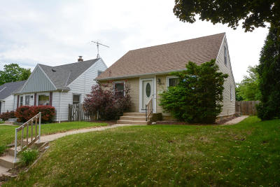 Milwaukee Single Family Home For Sale: 3766 N 86th St