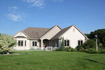 Pewaukee Single Family Home Active Contingent With Offer: W291n4152 Prairie Wind Cir S