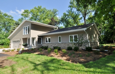 Mequon Single Family Home For Sale: 8414 W Poplar Dr