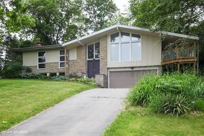 Waukesha Single Family Home For Sale: W226n225 Mount Vernon Dr