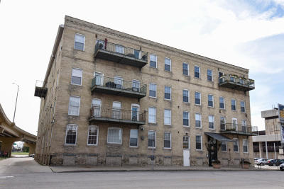 Milwaukee Condo/Townhouse For Sale: 418 N 3rd St #240