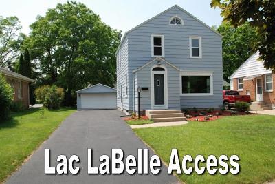 Oconomowoc Single Family Home For Sale: 126 N Maple Ter