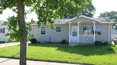 Milwaukee Single Family Home For Sale: 4969 S 15th Pl