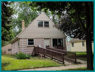 Milwaukee Single Family Home For Sale: 618 S 64th St