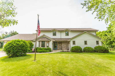 Waukesha County Single Family Home For Sale: W161n5735 Bette Dr