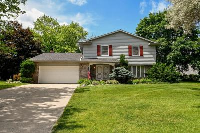 Milwaukee County Single Family Home For Sale: 10125 W Scepter Circle