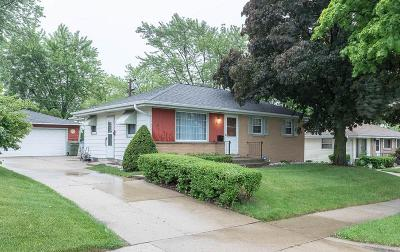 Milwaukee Single Family Home For Sale: 8235 W Mill Rd