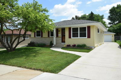 Racine County Single Family Home Active Contingent With Offer: 1005 Ostergaard Ave