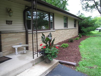 Brookfield Single Family Home For Sale: 2935 Pilgrim Rd