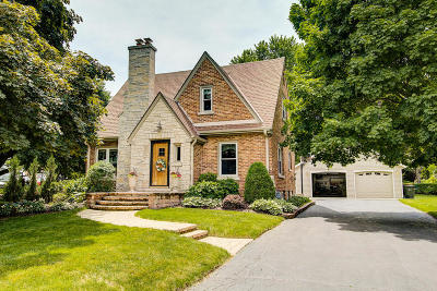 Wauwatosa WI Single Family Home For Sale: $299,900