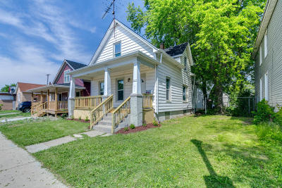 Racine County Single Family Home For Sale: 2115 Racine St