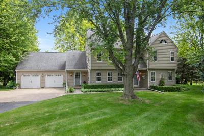 Cedarburg Single Family Home Active Contingent With Offer: 400 Lindale Dr