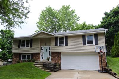 Waukesha WI Single Family Home For Sale: $218,000