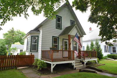 Port Washington Single Family Home Active Contingent With Offer: 907 W Grand Ave