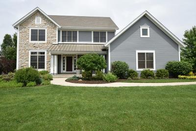 Muskego Single Family Home For Sale: S73w15444 Cherrywood Ct