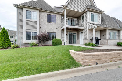Waukesha WI Condo/Townhouse Active Contingent With Offer: $189,180