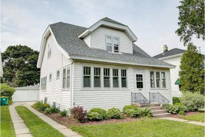 Milwaukee County Single Family Home For Sale: 1829 E Jarvis St