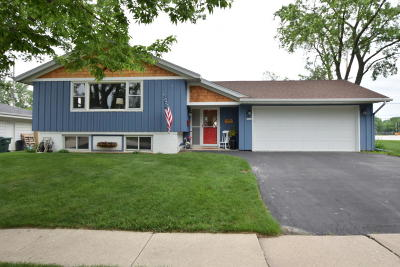 Milwaukee County Single Family Home For Sale: 5300 Robin Dr