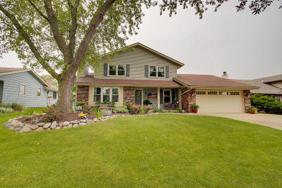 Milwaukee County Single Family Home For Sale: 2314 W Manchester Ave
