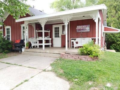 Washington County Single Family Home For Sale: 902 Grand Ave.