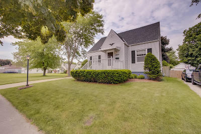Racine County Single Family Home For Sale: 2200 Orchard St