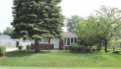 Pleasant Prairie WI Single Family Home For Sale: $196,500