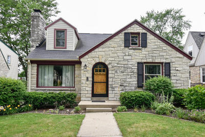 Milwaukee County Single Family Home For Sale: 2531 N 81st St