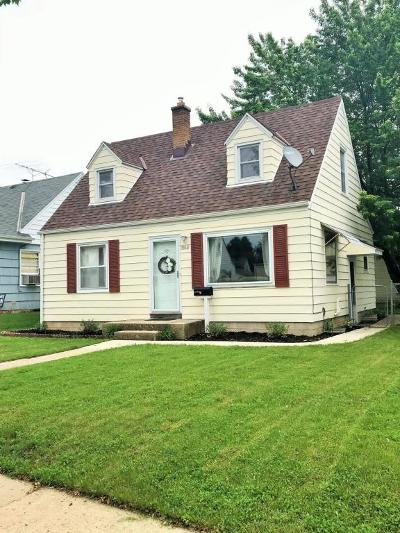 Milwaukee County Single Family Home Active Contingent With Offer: 3512 N 98th St