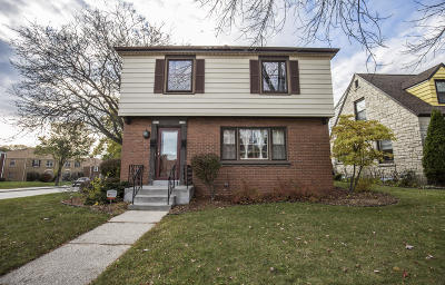 Milwaukee County Two Family Home For Sale: 2701-03 N Avondale Blvd