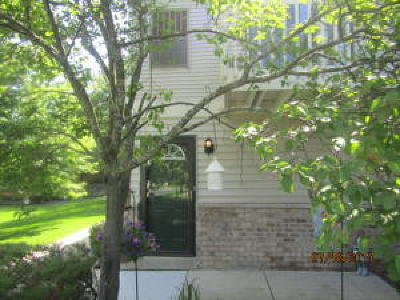 Kenosha Condo/Townhouse Active Contingent With Offer: 7203 98th Ave #E
