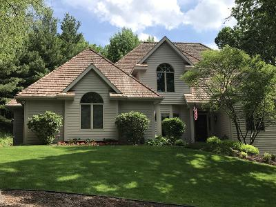 Waukesha County Single Family Home For Sale: N16w30883 Woodland Hill Dr