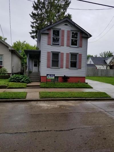 Racine Single Family Home For Sale: 623 English