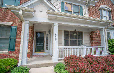 Brookfield Condo/Townhouse For Sale: 2265 N Norhardt Dr