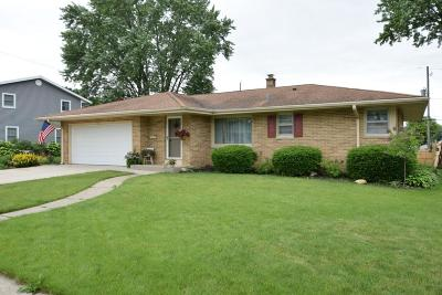 Racine County Single Family Home For Sale: 325 Donald Dr