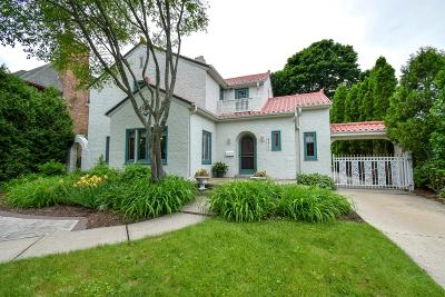 Shorewood Single Family Home For Sale: 4475 N Maryland Ave