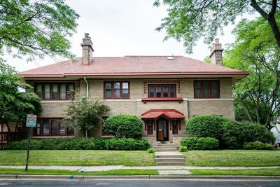 Milwaukee County Single Family Home For Sale: 2726 E Linnwood Ave